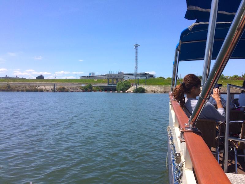船内から水門